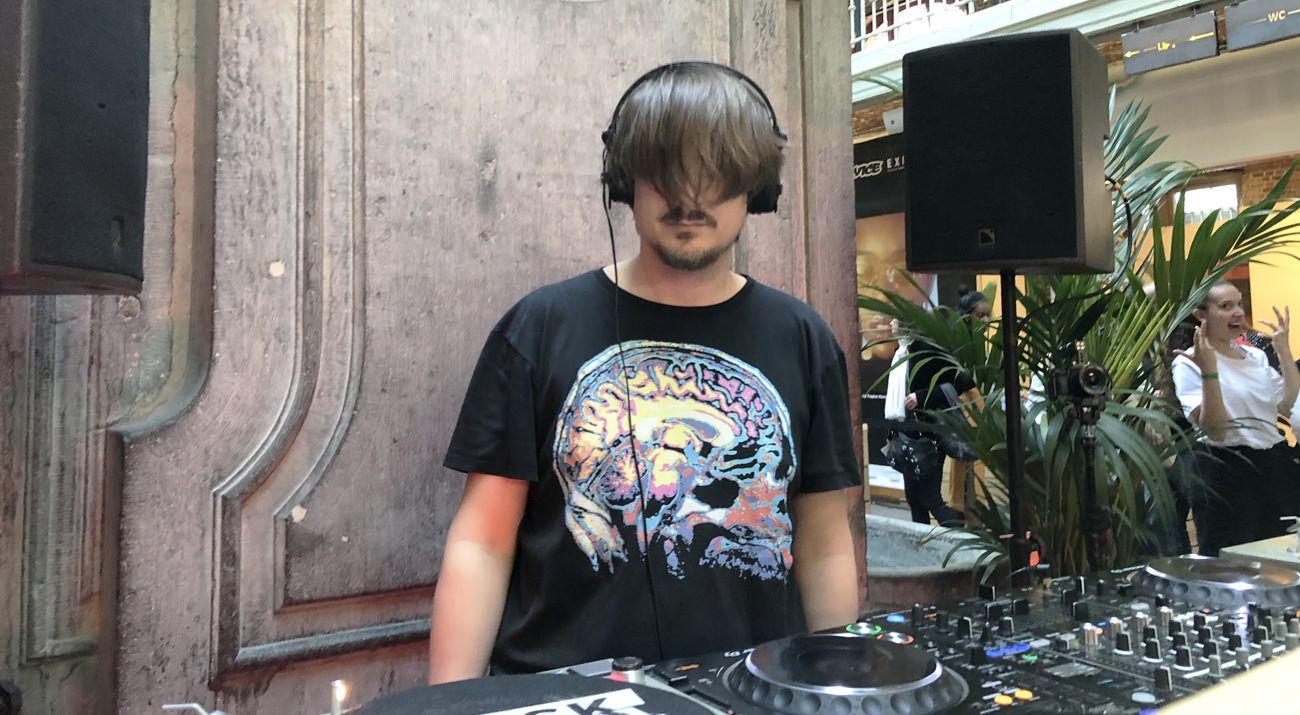dublab x Kiosk Radio at Listen! Sound District w/ Simon Halsberghe